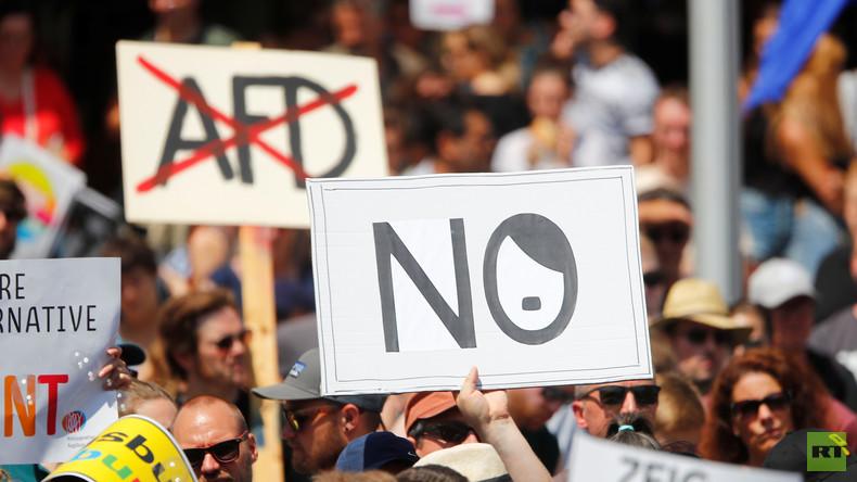 """""""Rechtsstaat lässt sich vorführen"""" – Erneute Absage für AfD-Parteitag in Berlin (Video)"""