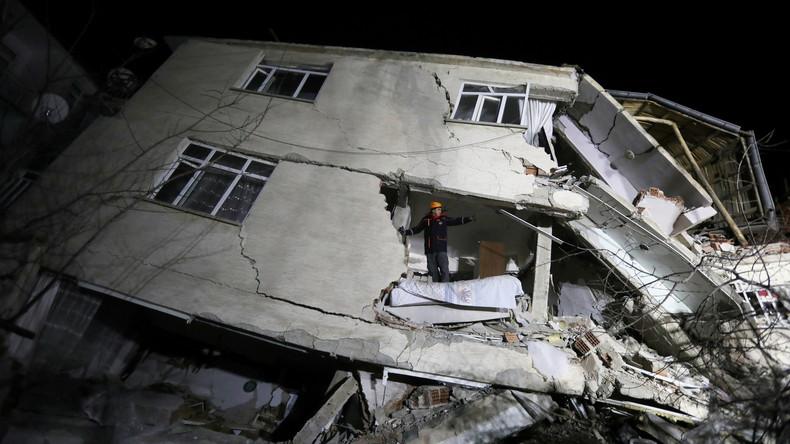 Türkei: Mindestens 22 Tote bei Erdbeben im Osten des Landes