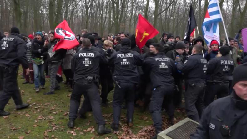 "Antifa sprengt wegen AfD Holocaust-Gedenkfeier: ""Gräber zertrampelt, Trauerkränze weggeworfen"""