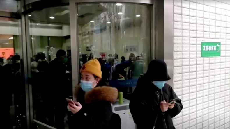 Coronavirus: Hälfte der Einwohner Wuhans verließ Stadt vor Abriegelung
