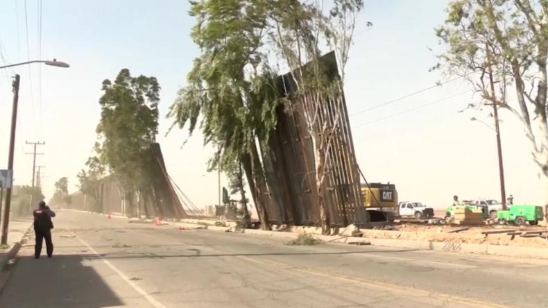 US-Grenze zu Mexiko: Starke Winde kippen Teile von Trumps Mauer um