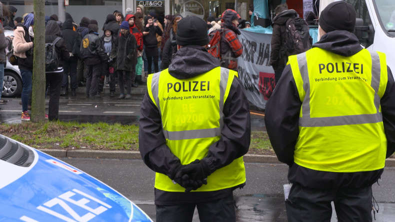 """Berlin: Räumungsaufschub für besetztes Haus """"Liebig 34"""" bis Mai (Video)"""
