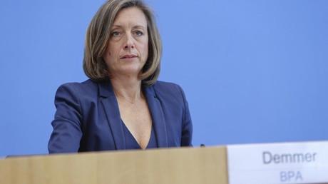 Die stellvertretende Regierungssprecherin der deutschen Bundesregierung Ulrike Demmer rechtfertigt die Ermordung des iranischen Top-Generals Qassem Soleimani durch die USA