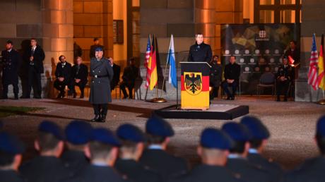 CSU-Chef und Bayerns Ministerpräsident Markus Söder beim ersten öffentlichen Bundeswehrgelöbnis seit zehn Jahren am 18. November 2019 im Münchner Hofgarten.