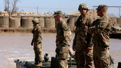 US-Streitkräfte bei einer Trainingseinheit am 6. März 2017 in Mosul im Lager Taji, nördlich von Bagdad, mit irakischen Soldaten