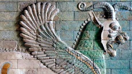 Nach über 2.000 Jahren bald ein Ziel von US-Militärschlägen? Geflügelter Löwe im Palast von Susa