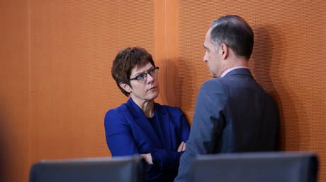 Sind in entscheidenden Fragen nicht einer Meinung: Verteidigungsministerin Annegret Kramp-Karrenbauer und Außenminister Heiko Maas (Bild vom 11.12.19).