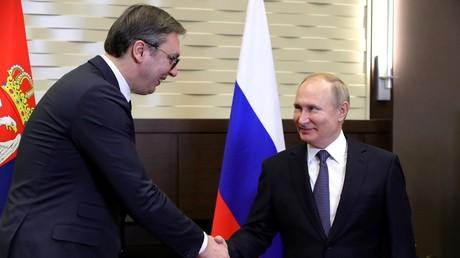 Der russische Präsident Wladimir Putin empfängt seinen serbischen Amtskollegen Aleksandar Vučić in Sotschi (4. Dezember 2019).