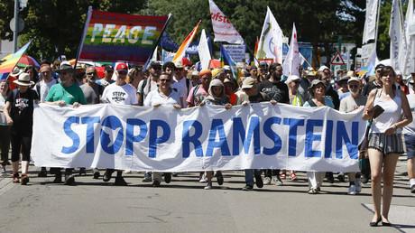 Mehrere Tausend Friedensaktivisten der