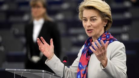 EU-Kommissionspräsidentin Ursula von der Leyen am 14. Januar vor dem EU-Parlament in Straßburg.