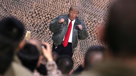 Donald Trump während eines Truppenbesuchs auf dem irakischen