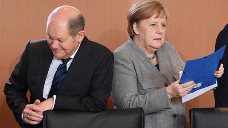 Finanzminister Olaf Scholz, Bundeskanzlerin Angela Merkel, Berlin, Deutschland, 18. Dezember 2019.