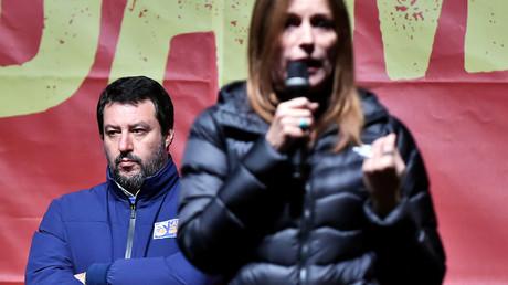 Matteo Salvini, der Vorsitzende der Lega, mit Lucia Borgonzoni, der gescheiterten Kandidatin der rechten Koalition für das Präsidentenamt der Region Emilia-Romagna, am 23. Januar 2020 in Bibbiano, Italien.