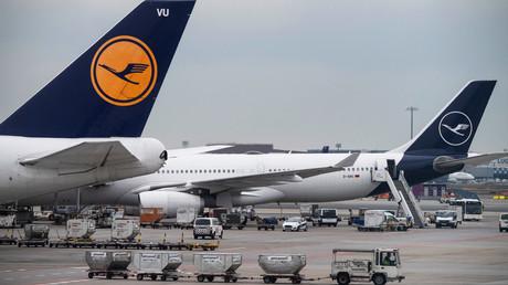 Fliegen China vorläufig nicht mehr an: Flugzeuge der Lufthansa am Flughafen Frankfurt.
