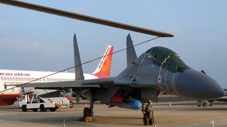 (Symbolbild: Langstrecken-Mehrzweckjäger Suchoi Su-30MKI der indischen Luftwaffe auf der Messe AeroIndia in Bengaluru, 20. Februar 2019)