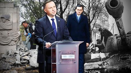 Zum Credo der PiS gehören der Aufbau einer breiten antirussischen Front anhand historischer Fragen und die Tilgung der Erinnerung an die guten Seiten der russisch-polnischen Geschichte. Auf dem Bild rechts: die Begrüßung der Roten Armee in Posen; links: der Abriss eines Sowjetdenkmals