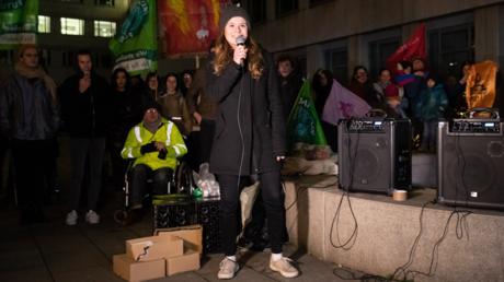 Luisa Neubauer bei einer Demonstration von