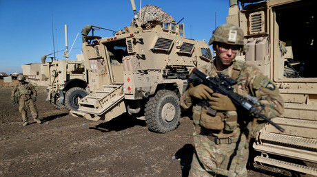 Ein im Jahr 2002 auf den Irak und angebliche Massenvernichtungswaffen ausgerichtetes Gesetz, das als Rechtfertigung für den Mord am iranischen General Soleimani genutzt wurde, soll gestrichen werden. Bild: US-Soldaten in Bartella östlich von Mossul, Irak, 27. Dezember 2016