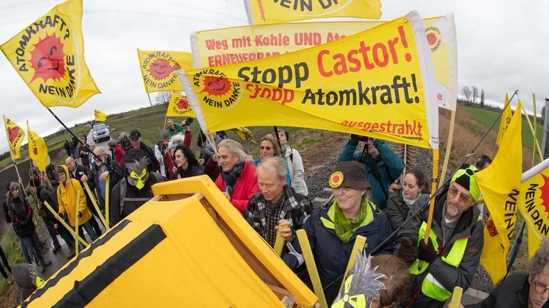 Proteste in Hessen gegen geplanten Transport von Atommüll ins AKW Biblis