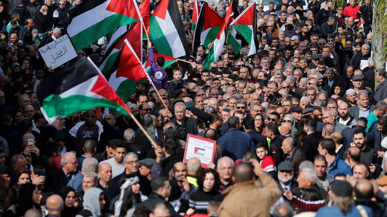 "Apartheid unerwünscht: Israelis protestieren gegen Trumps ""Deal des Jahrhunderts"" (Video)"