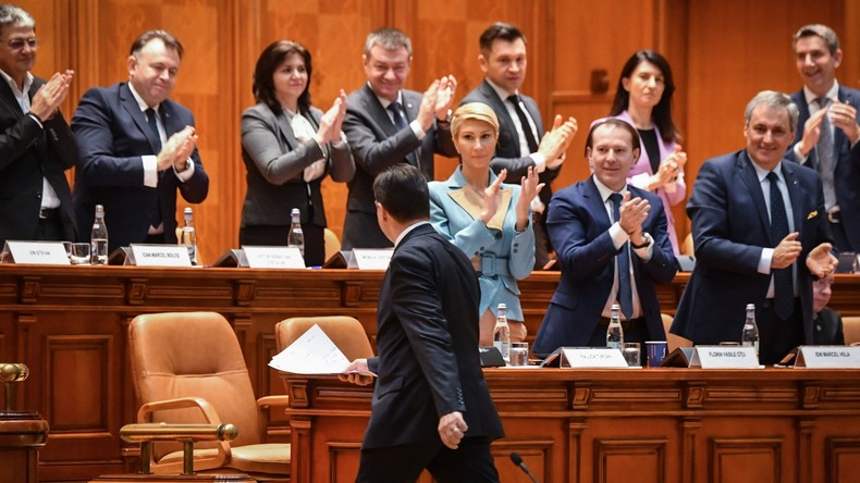 Rumänisches Parlament stimmt für Misstrauensvotum gegen die Orban-Regierung – Neuwahlen möglich