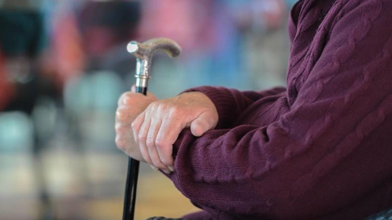 Thüringen: Pfleger vergewaltigt 100 Jahre alte Seniorin – Bewährungsstrafe