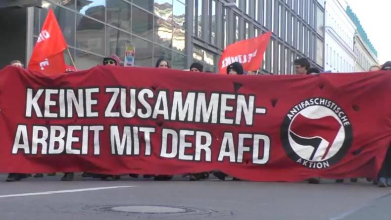 Deutschland: Demonstranten fordern Regierung auf, mehr Flüchtlingskinder aufzunehmen