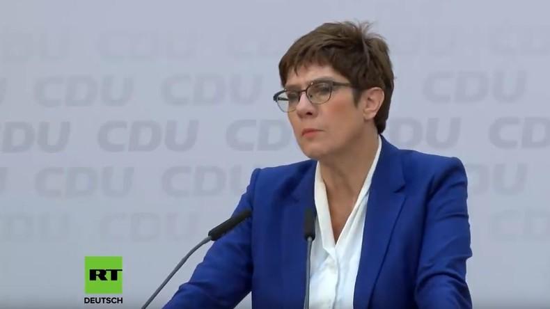 Pressekonferenz von Annegret Kramp-Karrenbauer nach erklärtem Rückzug von Kanzlerkandidatur