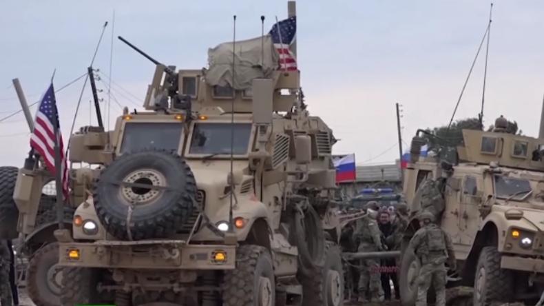 Syrien: US-Soldaten eröffnen Feuer auf Protestler – Russisches Militär verhinderte wohl Schlimmeres