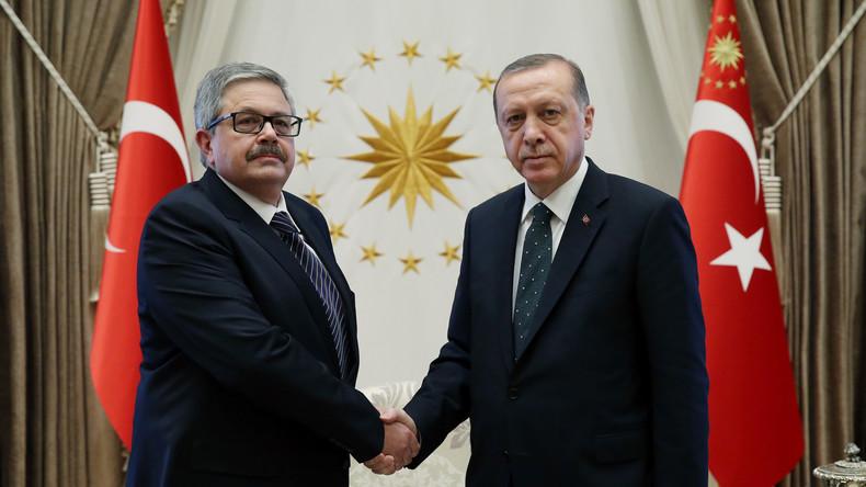 """Russischer Botschafter erhält Morddrohungen in der Türkei: """"Es ist Zeit für dich zu brennen"""""""