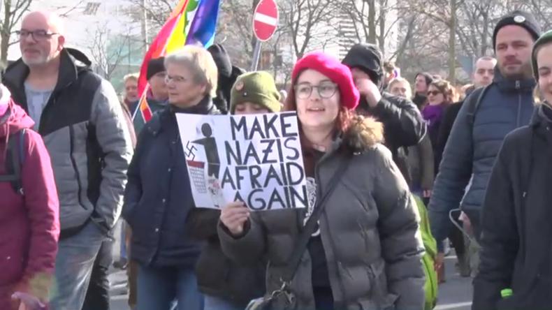 Rechtsextreme NPD-Kundgebung mit Gegenprotest zum 75. Jahrestag derBombardierungvon Dresden