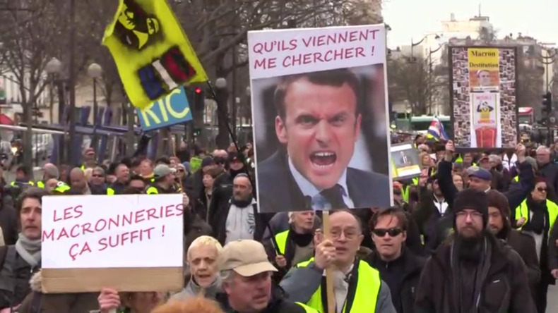 """Frankreich: """"Gelbwesten""""-Proteste in Paris gehen weiter"""