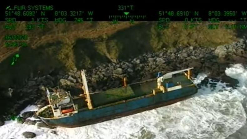 Irland: Sturm treibt Geisterschiff an Land – Herrenlos Tausende Kilometer über Atlantik geschippert