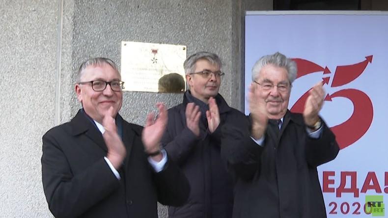 Vorbild für Mut und Widerstand: Schule in Wien erhält Namen des sowjetischen Helden Karbyschew