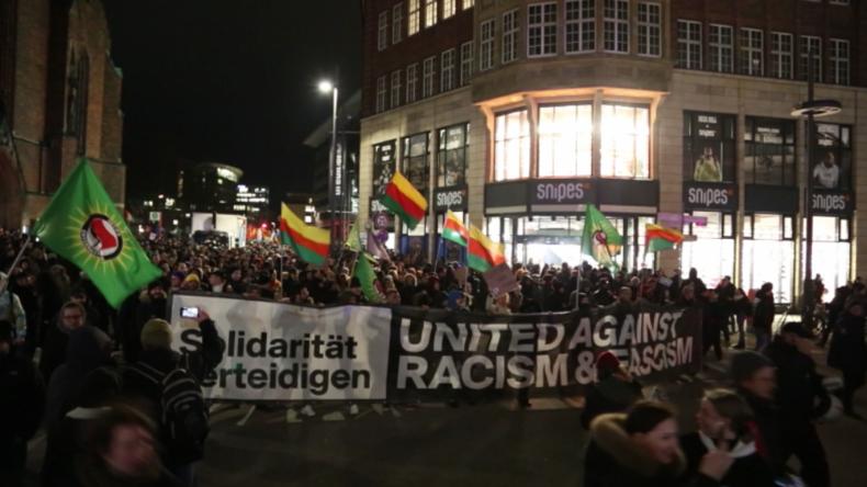 Hamburg: Tausende protestieren vor AfD-Büros wegen rassistischer Morde in Hanau