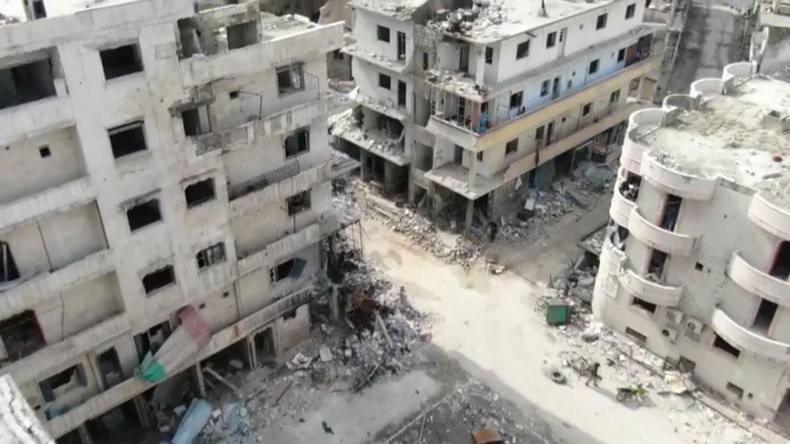 Syrien: Drohnen-Aufnahmen zeigen Autobahn M4 und verlassene Stadt Ariha
