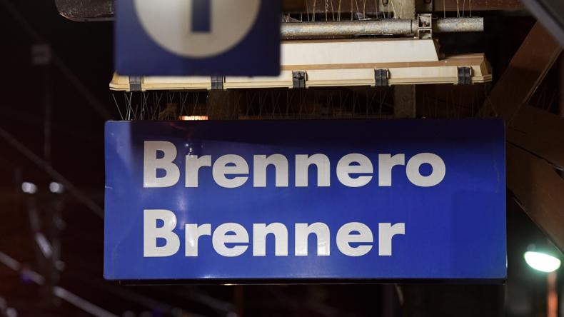 Corona-Fehlalarm: Österreich stoppt vorübergehend Zugverkehr am Brenner