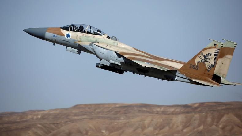 Syrien: Luftverteidigung wehrt israelischen Angriff ab (Videos)