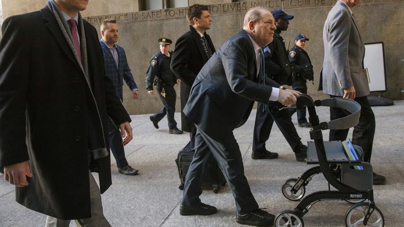 Wegen Vergewaltigung und sexueller Nötigung: Ex-Filmmogul Harvey Weinstein schuldig gesprochen