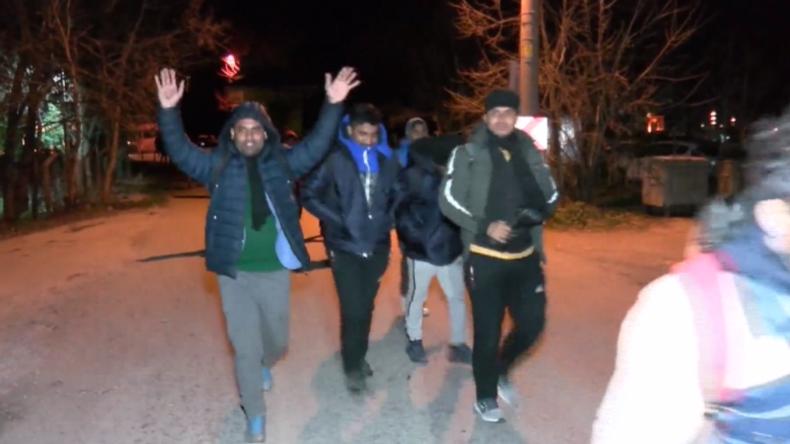Nach Eskalation in Idlib: Türkei öffnet für Flüchtlinge Grenzen nach Europa – Erste Syrer unterwegs