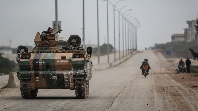"""Russisches Außenministerium: Türkische Soldaten mischten sich in Idlib unter """"Terrorgruppen"""""""
