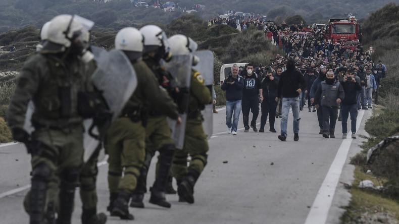 Lesbos: Generalstreik gegen geplantes neues Migrantenlager (Video)