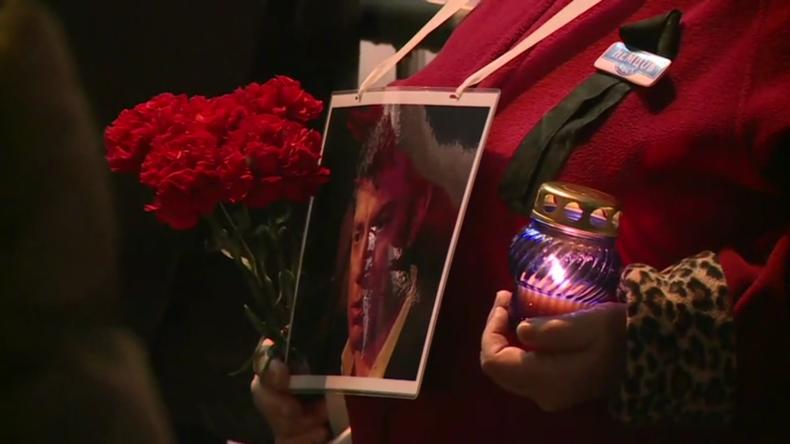 Fünf Jahre nach Mord an Nemzow: Gedenken in Moskau – Platzbenennung in Prag