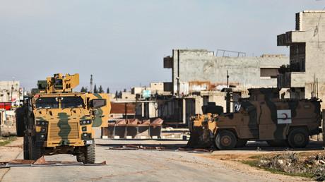 Türkische Armee am 1. Februar in der von HTS-Dschihadisten kontrollierten Stadt Saraqib: Mit der Idlib-Offensive versucht die syrische Armee, diese strategisch wichtige Stadt zu befreien.