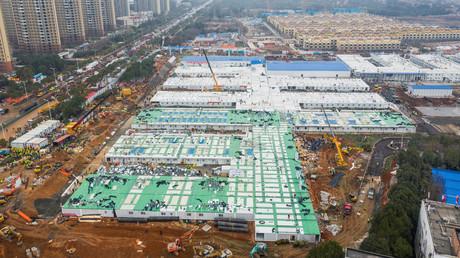 Wettlauf gegen die Zeit: Erste Corona-Notklinik nach nur zehn Tagen Bauzeit in Wuhan eröffnet
