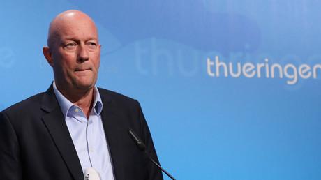Thomas Kemmerich während seiner Pressekonferenz in der Staatskanzlei in Erfurt.