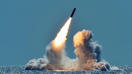 Teststart einer ballistischen Rakete Trident II D5 von der USS Nebraska nahe der Küste Kaliforniens am 25. März 2018. Ein Teil dieser Raketen wird auf Sprengköpfe vom Typ W76-2 mit geringerer Sprengkraft umgerüstet.