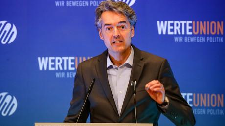 15. Juni 2019, Filderstadt, Baden-Württemberg: Alexander Mitsch, Bundesvorsitzender der Werteunion, spricht auf der Jahreskonferenz. Die Werteunion ist eine konservative Gruppe innerhalb der CDU und CSU.