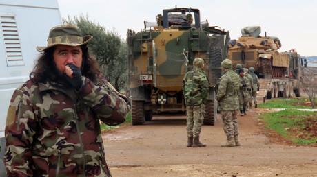 Nachschub für Dschihadisten: Die Türkei unterstützt den Kampf der Islamisten in Idlib mit schwerem Kriegsgerät. (Idlib, Binnish, 12. Februar 2020)