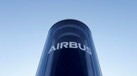 Airbus-Logo am Airbus-Hauptsitz in Blagnac bei Toulouse